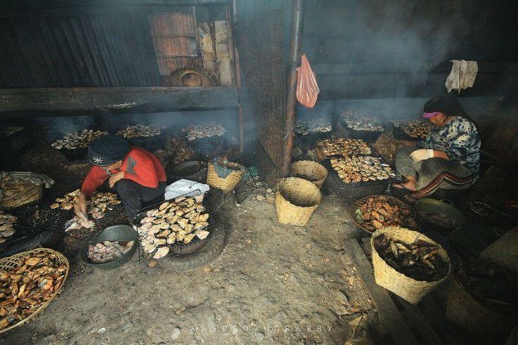 Pembuatan ikan asap