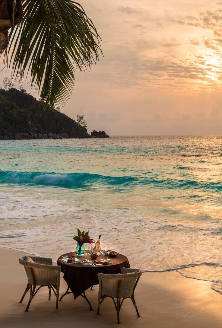 The scene's all set for romance at @Mandy Bryant Bryant Dewey Seasons Resort Seychelles.