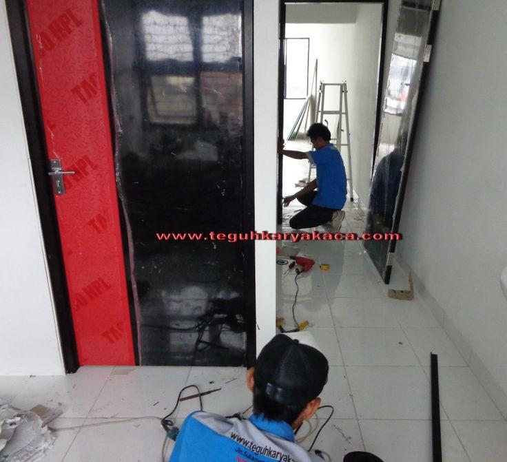 Kusen aluminium dan daun pintu hpl,pintu hpl,pintu rumah ...