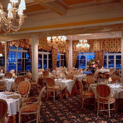 17 Best Ideas About Bellagio Hotel Rooms On Pinterest