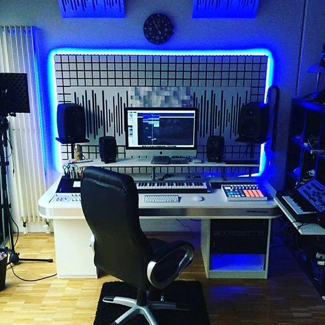"""Awesome studio.. #woicehaistudios #woicehaimusic  #music #woicehai #feelings #musically #musica #musicianslife #listentothis #voice #sound #fame #musician #pop #youtube #instamoody #instagood #song #songs #sing #singing #viral #instagram #musicplay #india #teen"" by @woicehai. #ganpatibappamorya #dilsedesi #aboutlastnight #whatiwore #ganpati #ganeshutsav #ganpatibappa #indianfestival #celebrations #happiness #festivalfashion #festivalstyle #lookbook #pinksuit #anarkali #festivaloutfit…"