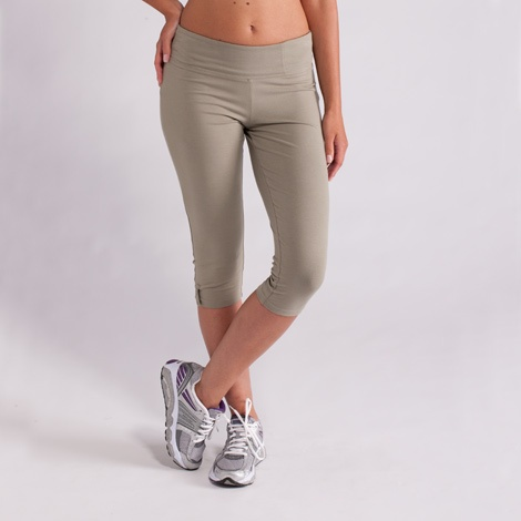 Lolë Serene Capris. Gathering at the knees give you a kick of comfort.
