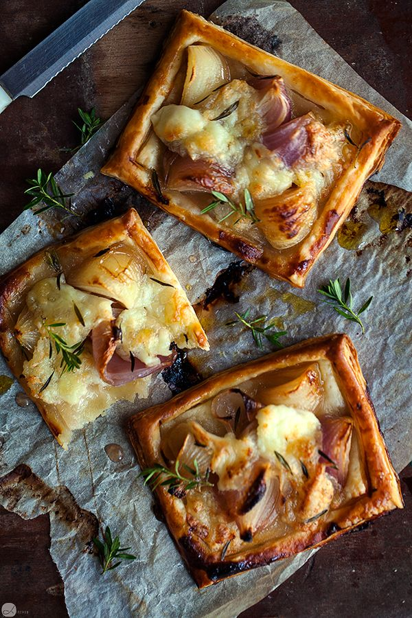 Little onion and mozzarella puff tarts