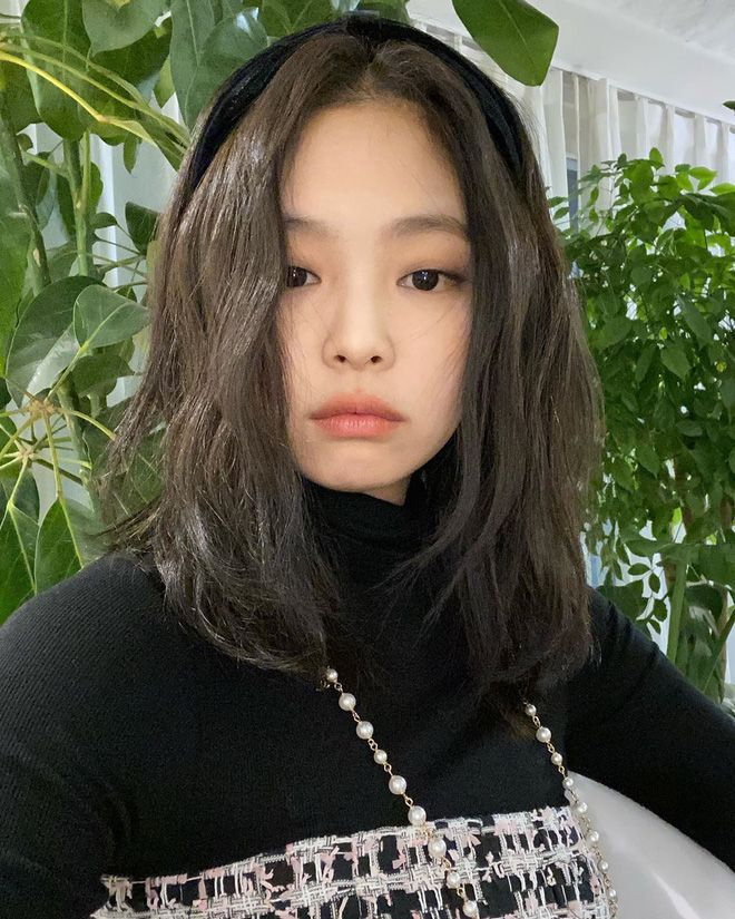 """6 kiểu tóc """"hot hit"""" đi đâu cũng gặp nhờ công của Jennie: Tập tành diện  theo thì bạn xinh xẻo, trendy hơn là cá…   Blackpink jennie, Jennie kim  blackpink, Blackpink"""