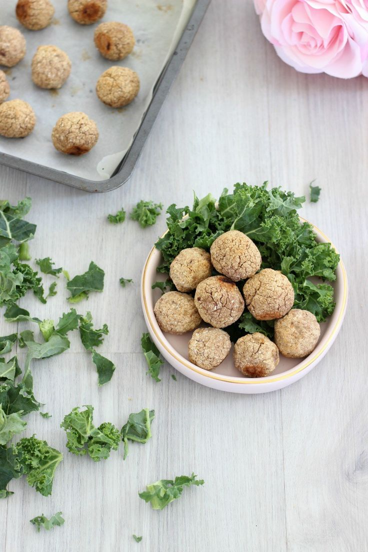Whether you incorporate vegetarian meals into your diet or you simply love easy meat-free alternatives, these 3 ingredient vegan meatballs will fast become favourites in your home. The idea of a vegan meatball isn't new…