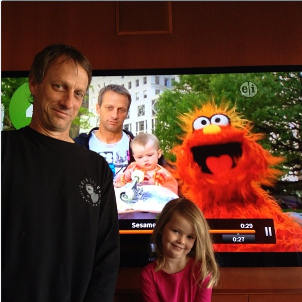 Tony Hawk with his daughter on Sesame St Tony Hawk Daughter