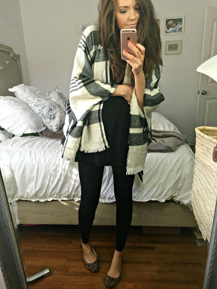 Easy fall outfit (maternity or not).  Poncho, leggings, and flats. | Fall Style | Fall Fashion Ideas | How to Style a Poncho | Maternity Style Ideas || Katie Did What
