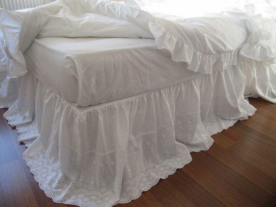 Pizzo gonna bedskirt - White occhiello pizzo cotone mantovana - bordo gonna smerlato letto QUEEN KING - shabby chic romantico elegante biancheria