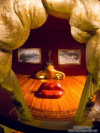 Mae West room in the Figueres Dalí museum