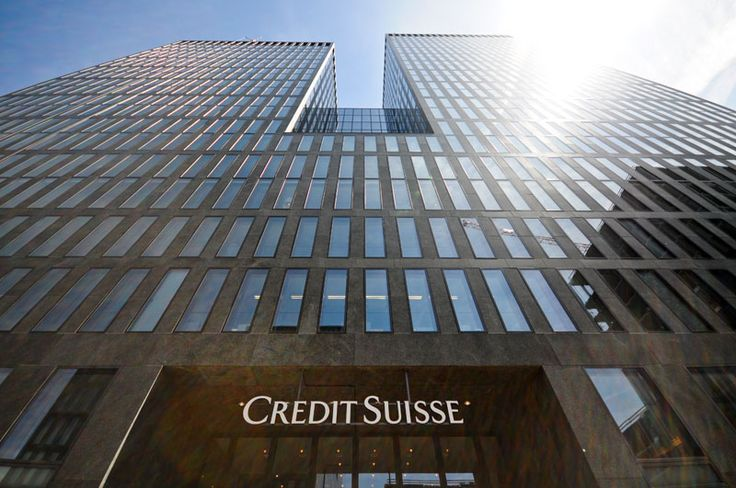 Credit Suisse plans to launch a blockchain-based loan platform for 2018 - A group of banks led by Credit Suisse is working on the launch of a commercial platform for blockchain-based syndicated loans. Speaking with the financial magazine EuroMoney, Emmanuel Aidoo, head of the Credit Suisse Blockchain Group, said the negotiations on syndicated loans (jointly contracted... - https://thebitcoinnews.com/credit-suisse-plans-to-launch-a-blockchain-based-loan-platform-for-2018/ Adv