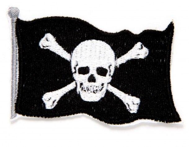 Parche bandera pirata bordado, coloca una auténtica bandera Jolly Roger en tu chaqueta, chaleco, mochila. Cómpralo ya en nuestra tienda online. | Jolly Roger's pirate flag embroidered patch