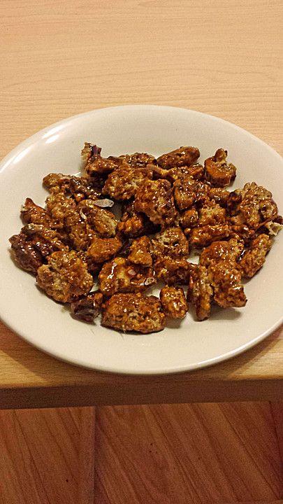 Kandierte Walnüsse, ein gutes Rezept aus der Kategorie Konfiserie. Bewertungen: 50. Durchschnitt: Ø 4,5.