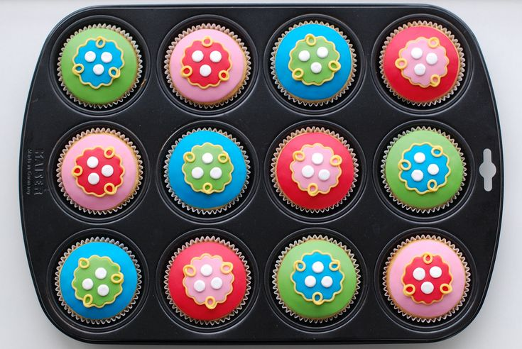 Oilily cupcakes