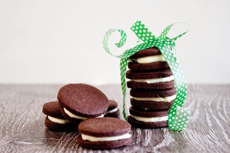 Cucinare con amore: Čokoládové sušenky s mléčnou náplní