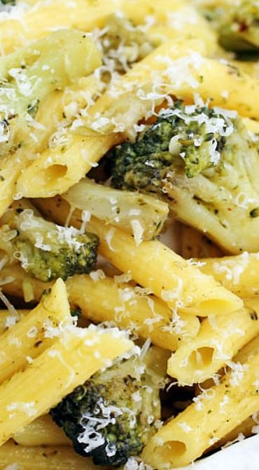 Garlic, Broccoli & Olive Oil Pasta. Gluten free pasta