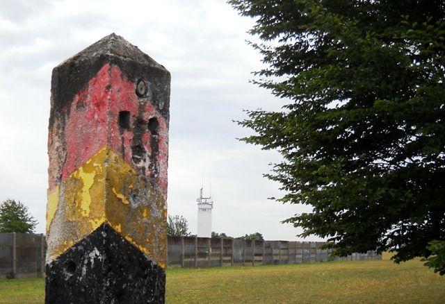 DRR29 25 Jahre Deutsche Einheit  Eine Reise in die Geschichte von Point Alpha - German History 25 years ago: Reunion and the horror of Bordercontrol at Point Alpha. www.deutsches-reiseradio.com / www.german-travelradio.com
