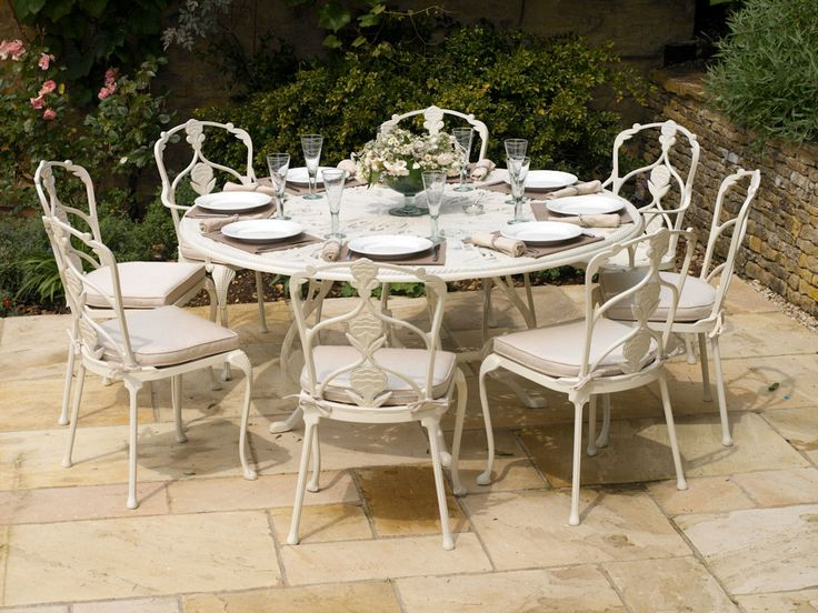 top barrington seater table in white with complete eethoek