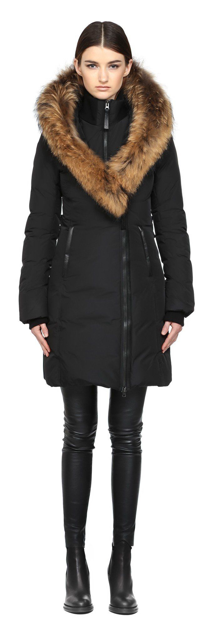 Best 25  Coat with fur hood ideas on Pinterest | Winter coat ...