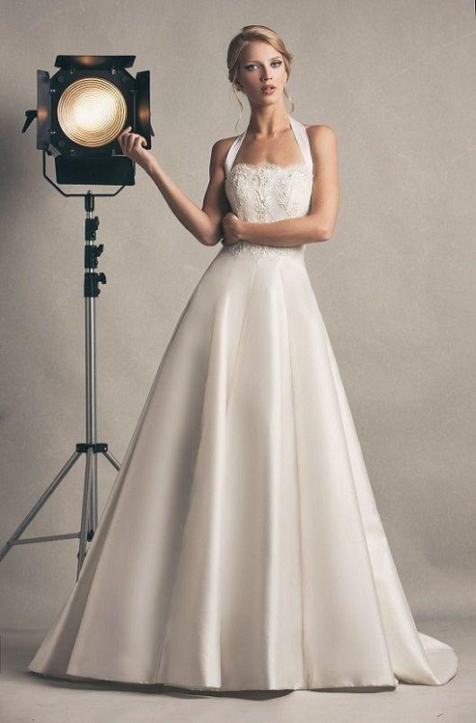 Grace kelly, abito in #mikado in seta con ricamo nel corpino. #madeinitaly #silk #abitodasposa #weddingdress #luxury #marsilmodasposa