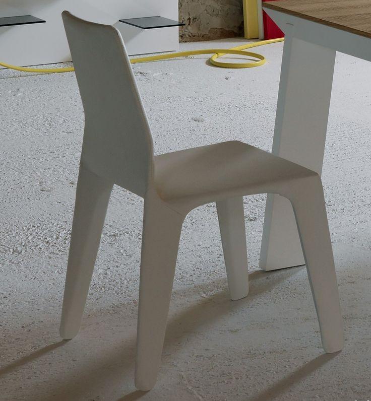 ill Frame Chair