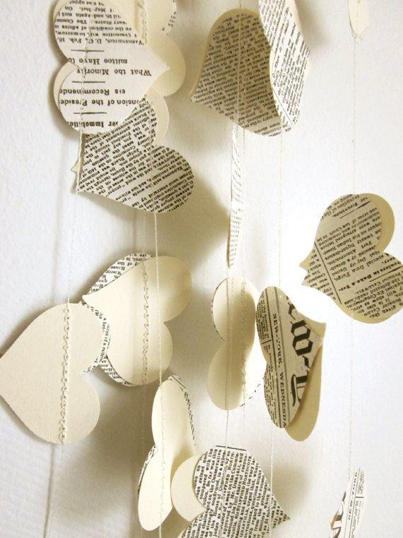 Livre papier Garland - coeurs crème Garland - guirlande mariage - Upcycled papier coeurs - Valentin