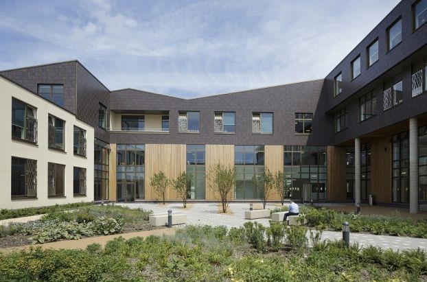 M S De 25 Ideas Incre Bles Sobre Welwyn Garden City F C En Pinterest Garden Decking With