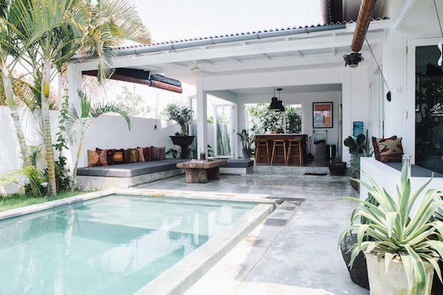 Dreaming of a touch of paradise after a long week? I love the relaxed vibe of this pool villa near the surfers paradise of Batu Bolong beach, Canggu, Bali, Indonesia. Set among palms and lush tropica