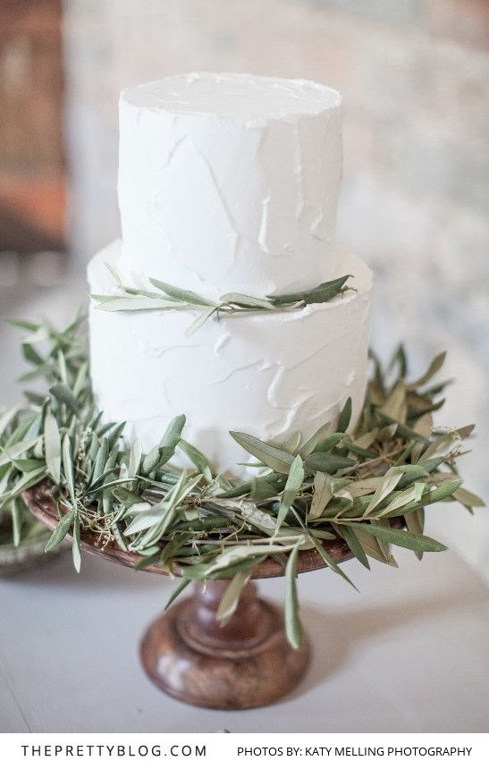 Natural Nuptials: Soft Greys & Olive Greens Combine | Styled Shoots | The Pretty Blog