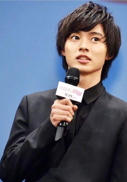 "[Clip] https://www.youtube.com/watch?v=RXRViukVVBA Kento Yamazaki x Mirei Kiritani x Kentaro Sakaguchi, Japan Premiere, J movie ""Heroine Shikkaku"". Release: Sep/19/'15"