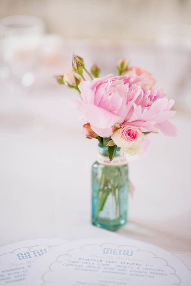 Na stôl  Sparkle & Pale Pink Peonies Bridal Musings Wedding Blog