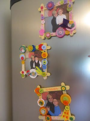 Make refrigerator picture frames for under $1. Inexpensive and easy gift for kids ages 4 to 10 years old. Mother's Day and Holiday gift-giving.