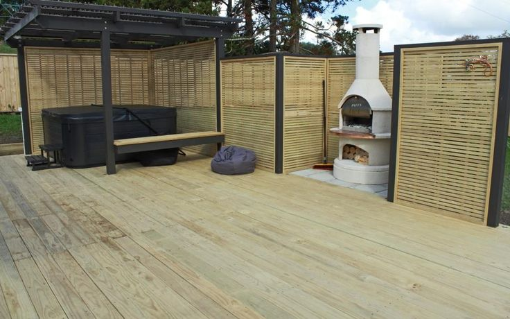 Pine Deck with Trellis Screens and Pergola - Riverhead