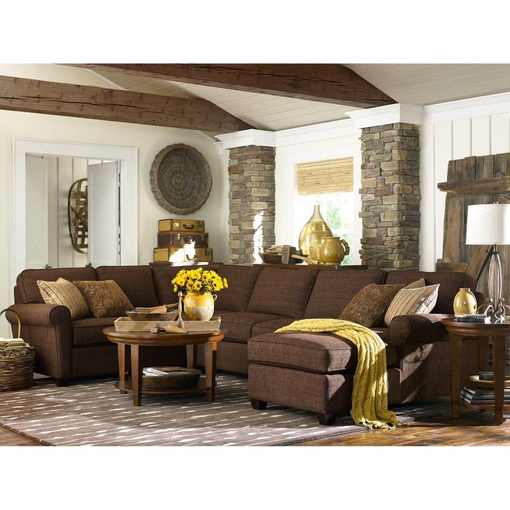 Living Room Ideas With Sectional Sofas: 25+ Best Ideas About Brown Sectional Decor On Pinterest
