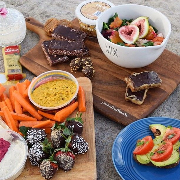 Spotted: Our #LoveBar making it to this amazing spread by @fitnhealthyliving! It has been so inspiring to see how creative all your posts have been. Thank you!❤❤ #freshnessfinefoods #australianmade