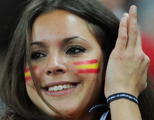 Two World Cup Spanish flag tattoo on fan's face