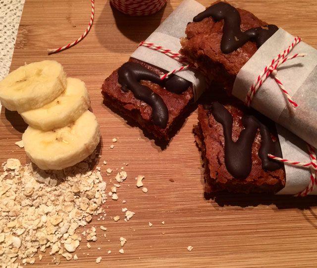 Havermoutrepen, ideaal voor een snel ontbijt of lekker en gezond tussendoortje. Gemaakt met pure chocolade, banaan en havermout, heerlijk!