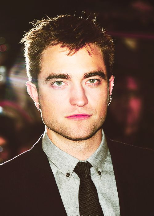 Rob at the Breaking Dawn Part 2 Premiere in London - November 14th 2012