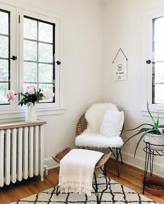 Our Top 10 Instagram Accounts to Follow for Home Decor Inspiration – Wit & Delight / cozy home interior / living room bedroom inspiration deisgn /
