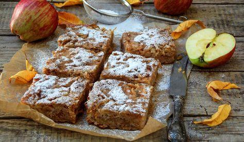Saftiger Low Carb Apfel-Nuss-Kuchen (mit Schmand)