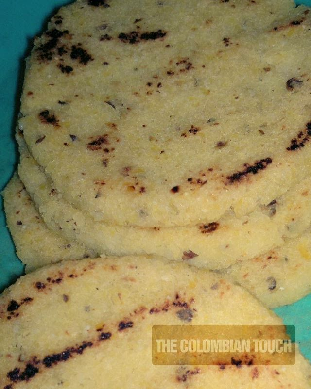 The Colombian Touch: AREPA DE MAIZ PELADO