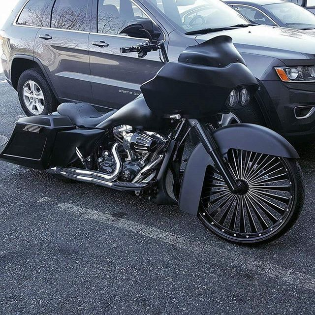 Road Glide...tag the owner #baggermilitia #militiaindustries