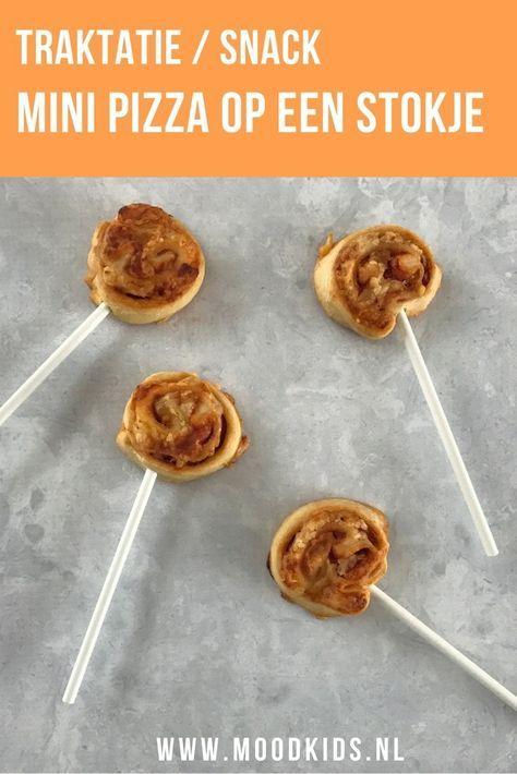 Deze mini pizza op een stokje is een leuke traktatie voor op school en doet het ook goed als hapje voor een feestje. Zowel koud als warm lekker!