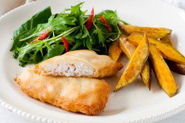 Tempura hoki with kumara chips & vegetables