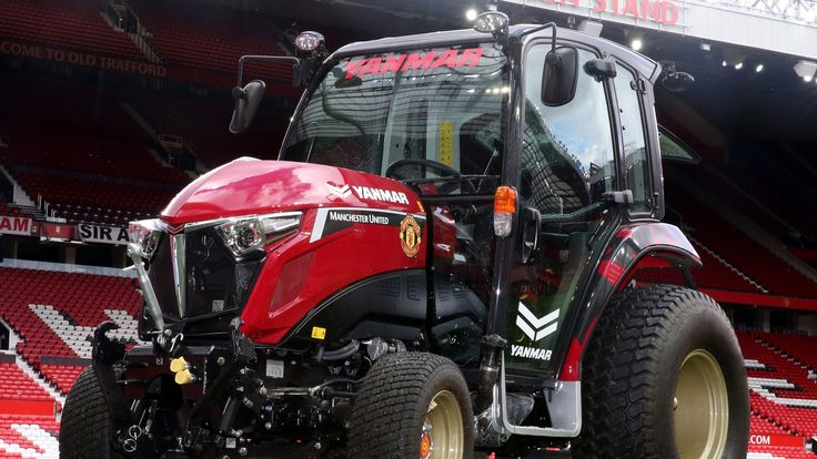 United unveil new tractor with Yanmar - Official Manchester United Website
