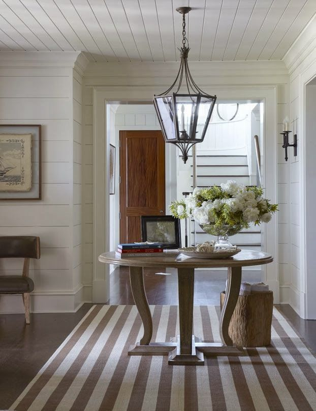 Design Chic: Entrance Hall Rugs Say Welcome