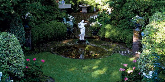 Top 25 ideas about emily whaley 39 s garden on pinterest for Landscaping rocks charleston sc