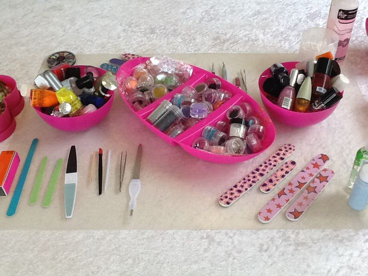 MakeoverParty, leuke nailart spulletjes zodat je tijdens de makeover zelf je nagels mooi kunt versieren by MAKEUPBOOST.NL
