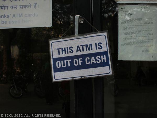 PM Narendra Modi faces risk of economic stress as India scrambles for cash - The Economic Times