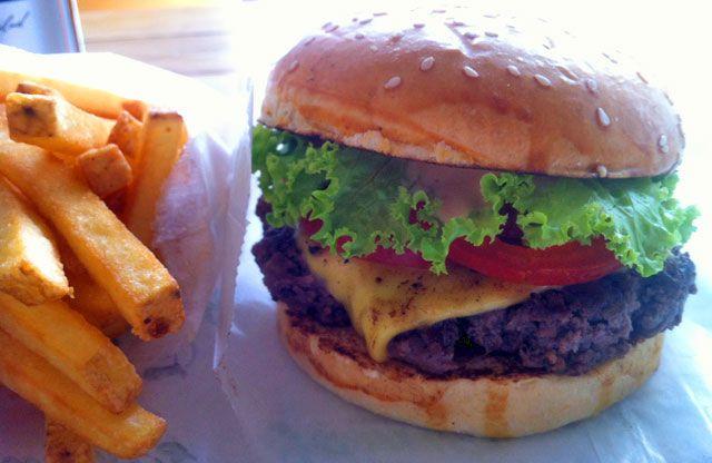 Jamy's Burger (Frankfurt-Ostend, Nähe ehem. Sudfass/ Neue EZB)