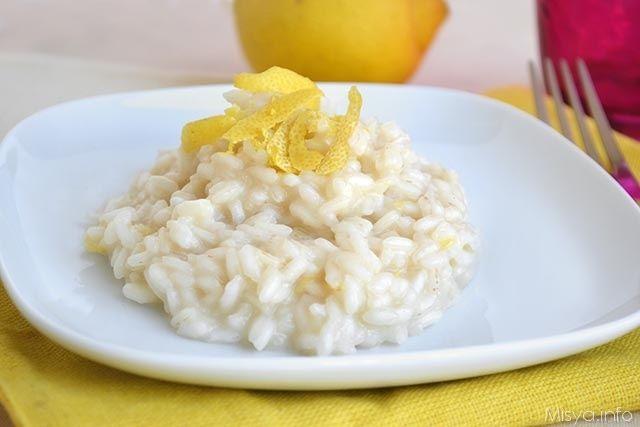 Risotto al limone, scopri la ricetta: http://www.misya.info/2015/10/16/risotto-al-limone.htm